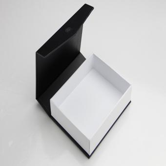 Custom recycled paper card board gift boxes packaging magnetic closure