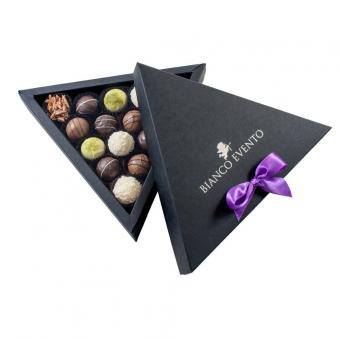 Wholesale custom triangle shaped paper cardboard chocolate gift box packaging